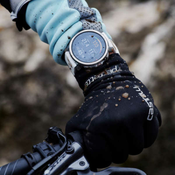 Cycling-with-polar-grit-x