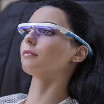 woman-wearing-ayo-light-therapy-wearable-glasses